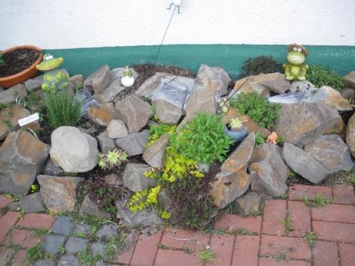Steingarten Hang Anlegen ~ Kreative Bilder für zu Hause Design ...